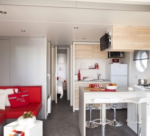 location mobil home panoramique crozon salon
